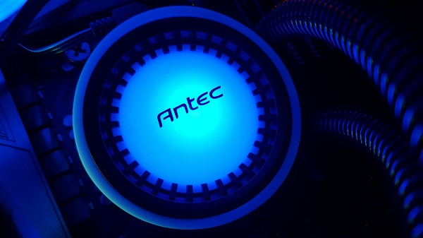 http://techgaming.nl/image_uploads/reviews/Antec-Mercury-240/led%20(1).jpg