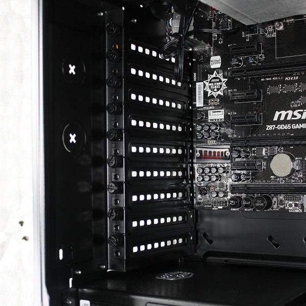 http://www.tgoossens.nl/reviews/Corsair/Graphite_730T/Buildup/IMG_1321a.jpg