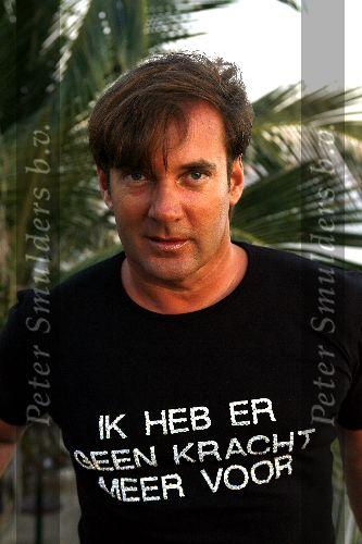 http://www.petersmulders.nl/500px/Januari%202006/Gerard%20Joling%200501060.jpg