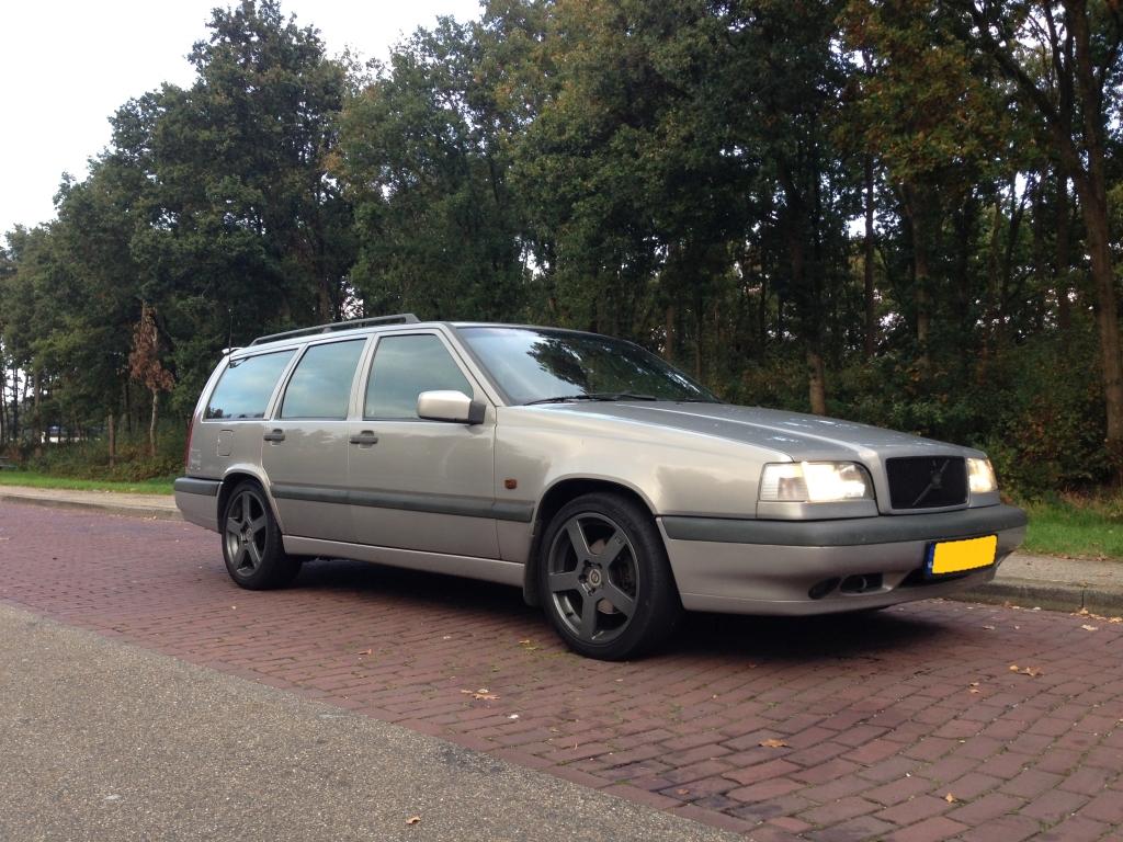 http://home.caiway.nl/~robterpe/Photos/Auto1.jpg
