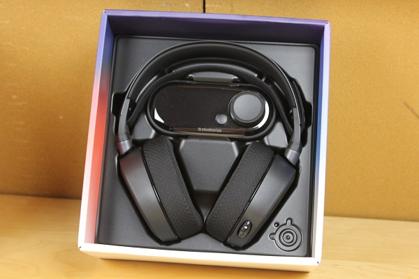 http://www.rooieduvel.nl/reviews/Steelseries/Arctis_Pro_Game/Pics/IMG_6829.JPG