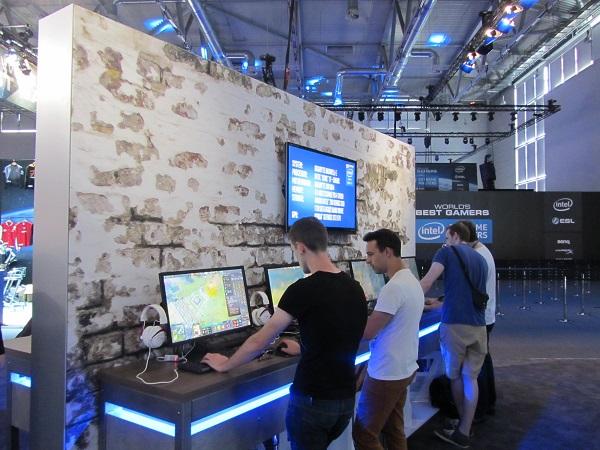 http://www.techtesters.eu/pic/BLOG-PIM/Gamescom2015-Intel/IMG_5845.JPG
