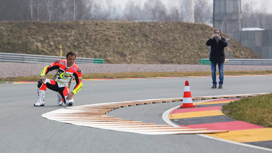 http://photos.motogp.com/2014/03/06/sachsenring_turn11_image004_slideshow_169.jpg