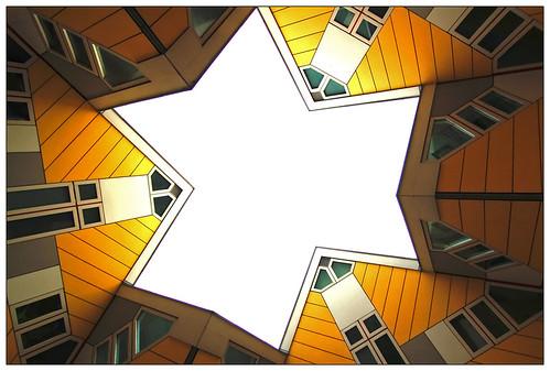 http://farm1.static.flickr.com/133/385058984_3bfd6eca25.jpg?v=0