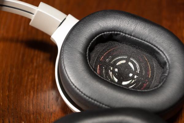 http://www.nl0dutchman.tv/reviews/kef-space-one-wireless/1-32.jpg