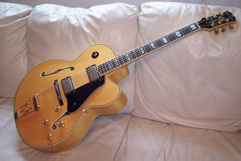 http://guitarheads.org/guitar/jpg/Samick_HJ650_00.jpg