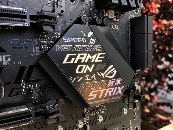 http://techgaming.nl/image_uploads/reviews/Asus-ROG-B450-F-Gaming/Strix-B450-F-Gaming (8).JPG